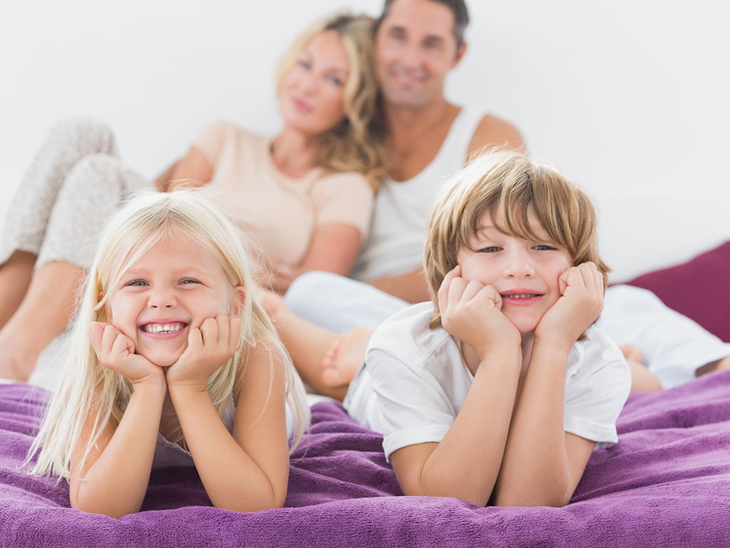 Bambini nel lettone: cosa fare?