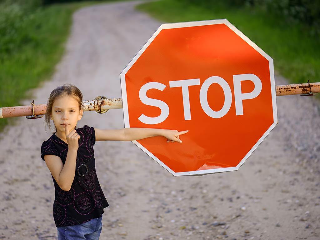 Bassa autostima: 5 cose che fai che fanno sentire tuo figlio inadeguato