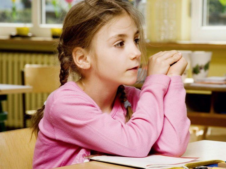 Come aiutare un bambino a difendersi dalle prese in giro dei compagni